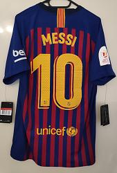 Click image for larger version.  Name:2018-2019-FCB-vapor-match-jersey-CDR-vs-Real-Madrid-HOME-MESSI-pic1.jpg Views:4 Size:33.3 KB ID:8531